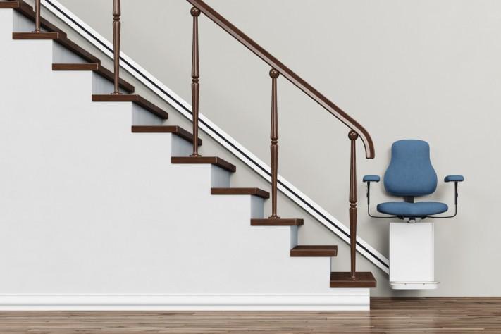 Aménager sa maison comme si elle était de plain-pied grâce à un monte escalier