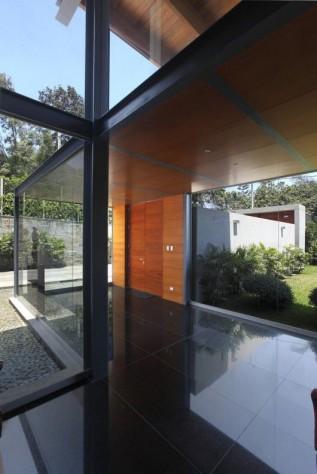 la structure métallique apporte à la maison une ambiance résolument moderne