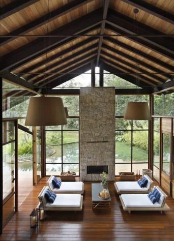 une maison à ossature métallique au Brésil